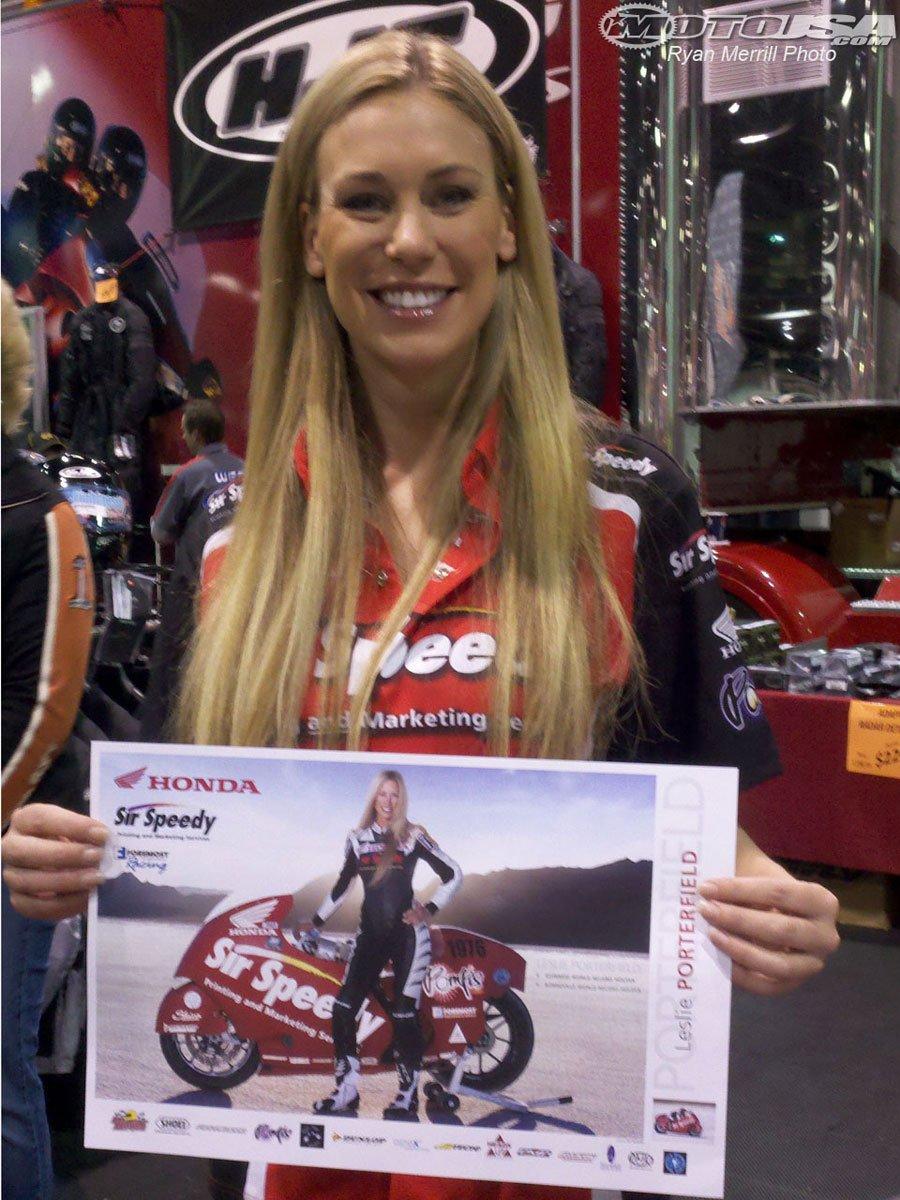 Leslie con la Honda de récord