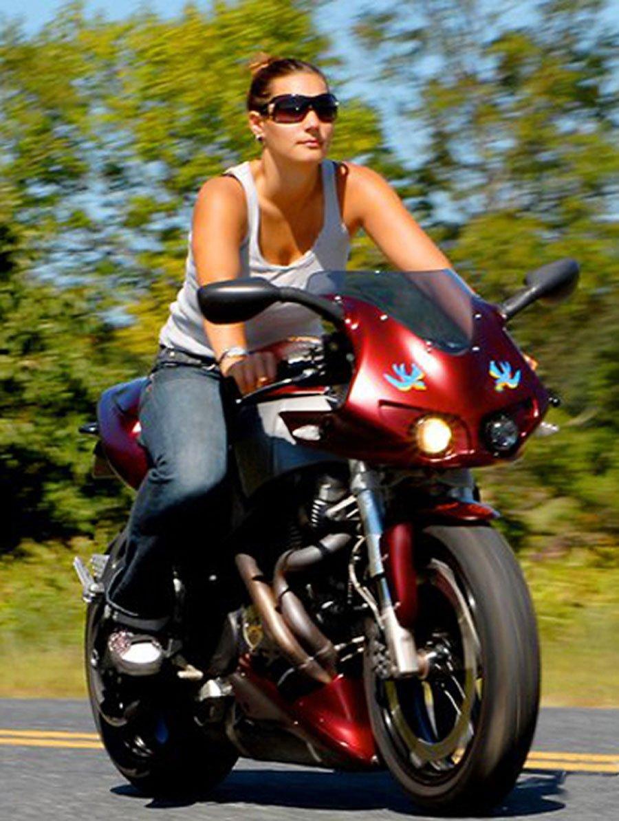 La afición de las motos viene de su padre