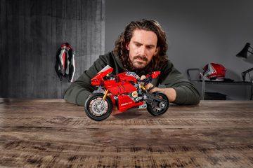 Emoción y diversión con la Ducati Panigale V4 R LEGO Technic