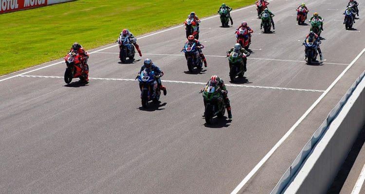 WorldSBK despega de nuevo bajo el calor de Jerez