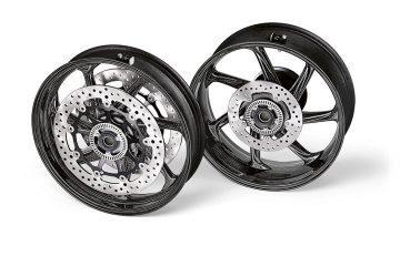 BMW Motorrad presenta los sets de ruedas de fibra de carbono M Performance para la BMW S 1000 RR